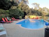 Villa Arthur, jardin et piscine privé avec vue sur la region, au calme