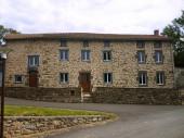 Gite chaleureux a louer pour vos vacances dans le Cantal
