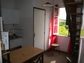 Chambre-studio équipée chez l'habitant dans grande maison de caractère à 3km plage et centre ville