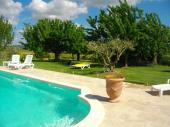 maison de campagne climatisé au pied du Luberon avec piscine