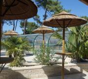 Terrasse bar-piscine