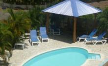 A150m de la plage, studios, T2 avec spa,T3 duplex recommandés par le routard.