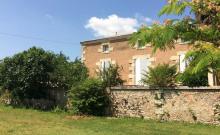 maison de caractère 4*rénovée dans belle propriété 1ha2: étang, piscine chauffée d'avril à octobre,proche Blaye- Bordeau