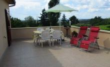 Appart. 68m² terrasse privée 55m², dés 3 nuits 147,- . Rocamadour - Sarlat à 20 km tout confort
