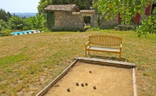 Gite en Ardèche 8 /9 personnes, piscine ,Bâtisse idéale pour des vacances en famille.