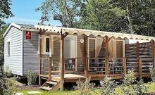 Nouveauté 2019 ! Un hébergement convivial pouvant accueillir jusqu'à 5 personnes, sa terrasse en bois semi-couverte vous permettra de profiter de moments simples et ressourçant: la lecture de votre livre préféré, un barbecue entre voisins, une partie de carte avec vos enfants…