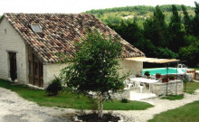 Gîte de caractère Quercy Blanc avec piscine chauffée pour 6 personnes.