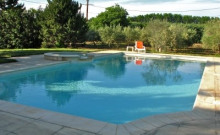 Maison dans les oliviers avec piscine 6m x 13m et jacuzzi débordant