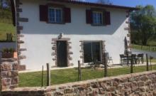 Belle maison 4 * située aux pieds des crêtes d'Iparla quartier Urdos à St Etienne de Baigorry