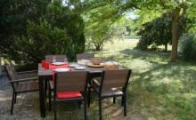 entre Aix-en-Provence et Lubéron, 75 m² pour 4/5 pers. indépendant en rez-de-jardin dans propriété de 5000 m²