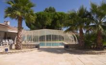 Coté Provence, Magnifique Gîte 4/5 personnes avec grande piscine couverte et chauffée