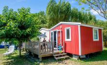 Face aux marais avec une vue imprenable, la cabane du pêcheur et ses 3 chambres vous feront passer des vacances idylliques.