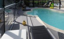 Sobre et chaleureuse maison de campagne de 120 m² avec piscine couverte  et chauffée pour 6 personnes