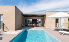 Villa contemporaine haut de gamme avec piscine chauffée privée et SPA.