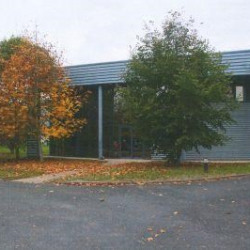 Location Local d'activités Semoy 900 m²