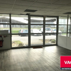 Location Bureau Blanquefort 83 m²