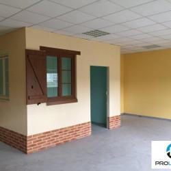 Location Local d'activités Longueil-Annel 178,5 m²