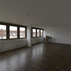 Location Bureau Poissy 97 m²