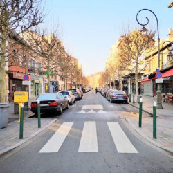 Location Local commercial Suresnes 140 m²