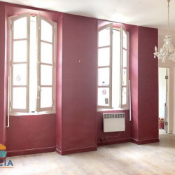 Location Local commercial Marseille 1er 79 m²