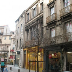 Location Local commercial Béziers 168 m²