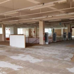 Location Local commercial Chaumontel 1500 m²