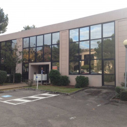 Location Bureau Vitrolles 207 m²