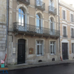Location Local commercial Poitiers 132 m²