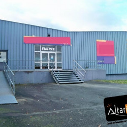 Location Local d'activités Lucé 2500 m²