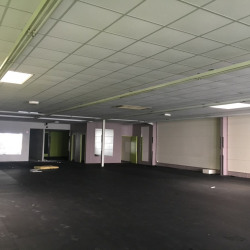 Location Local commercial Fayet 800 m²