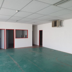 Location Local d'activités Auray 150 m²