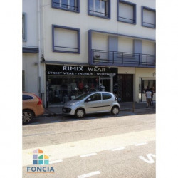 Location Local commercial Lorient 50 m²