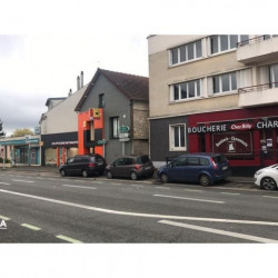 Location Local commercial Lucé 85 m²