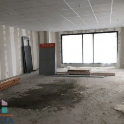 Location Local commercial Orléans 93 m²
