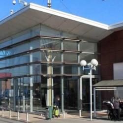 Location Local commercial Pérols 339 m²