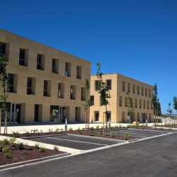 Location Bureau Aix-en-Provence 45 m²