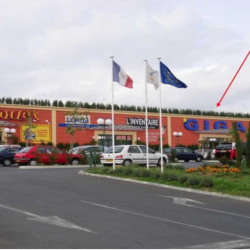 Location Local commercial Proville 4057 m²