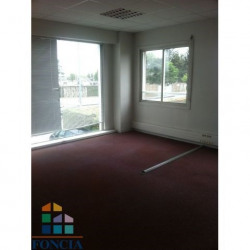 Location Local commercial Valence 252 m²