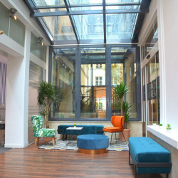 Location Bureau Paris 1er 17 m²