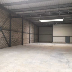 Location Bureau Persan 974 m²