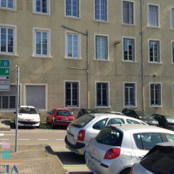 Location Local commercial Vienne 113 m²