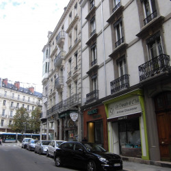 Location Local commercial Grenoble 55 m²
