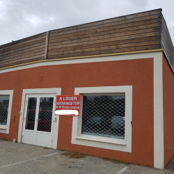 Location Local commercial Ruoms 115 m²