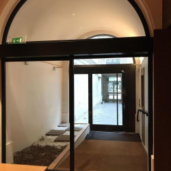Vente Local commercial Paris 8ème 180 m²