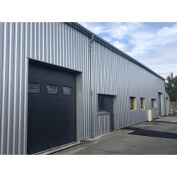 Location Local d'activités Saint-Jean-de-la-Ruelle 123 m²