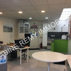 Location Local commercial Vincennes 70 m²