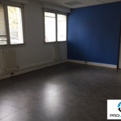 Location Bureau Elbeuf 140 m²