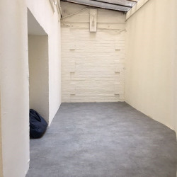 Location Local commercial Paris 17ème 6 m²