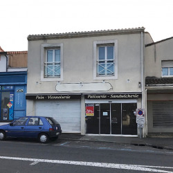 Location Local commercial Angoulême 77 m²