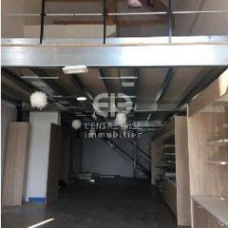Location Local commercial Grasse 240 m²